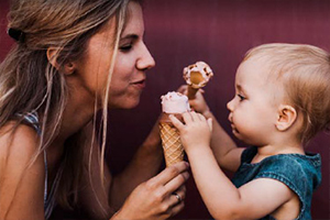 mother-daughter-eating-ice-cream-300x200